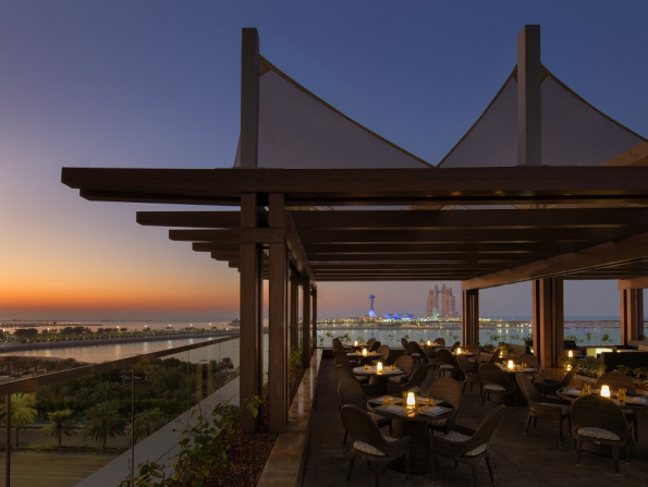 Abu Dhabi Restaurant Week: Azura Panoramic Lounge