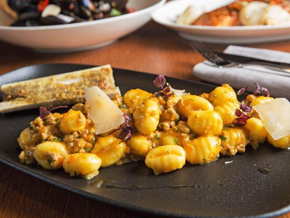 Abu Dhabi's biggest dining and nightlife bargains this week, November 11-17