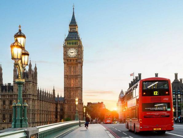 Etihad Airways increases flights to London for festive season