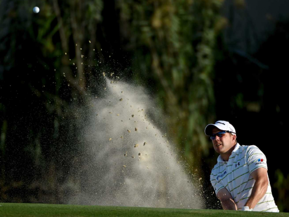 Tee off with a golf pro at Abu Dhabi Golf Club