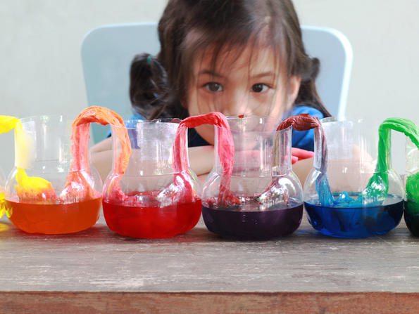 Six fun science experiments to do with kids in the UAE