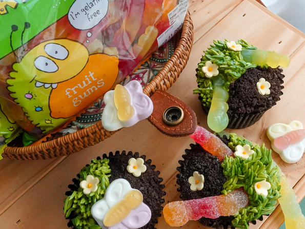 Recipe: Marks & Spencer's Colin The Caterpillar party cupcakes