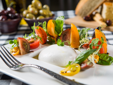 Abu Dhabi's best dining and nightlife deals this week, August 26-September 1