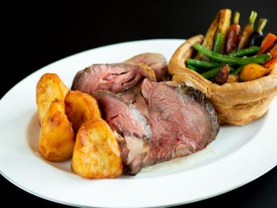 Brunch review: Saturday Roast at Oak Room in Abu Dhabi