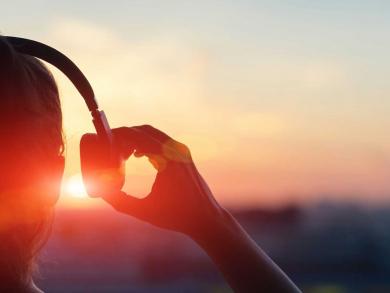 Turn up the volume and enjoy this Abu Dhabi summer playlist