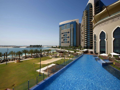 This all-inclusive Abu Dhabi staycation offers free-flowing beverages all day long
