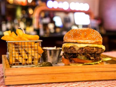 Friday pub brunches in Abu Dhabi