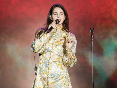 Review: Lana Del Rey at Abu Dhabi Grand Prix 2019