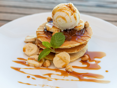 Abu Dhabi's AT25 has launched a new weekend breakfast with pool access