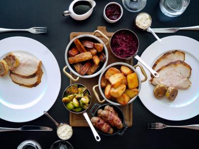 Enjoy a festive roast dinner at Oak Room in Abu Dhabi EDITION