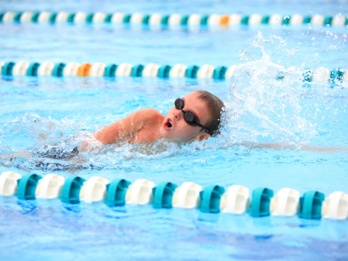 Help kids to embrace swimming in the UAE