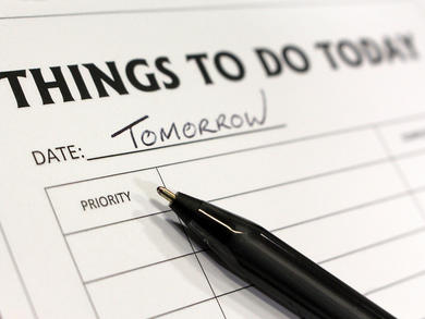 Five ways you know you're procrastinating