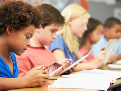Expert advice on the benefits of using technology in UAE classrooms