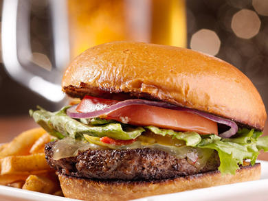 Sheraton Abu Dhabi Hotel and Resort launches Dhs69 burger and pint deal